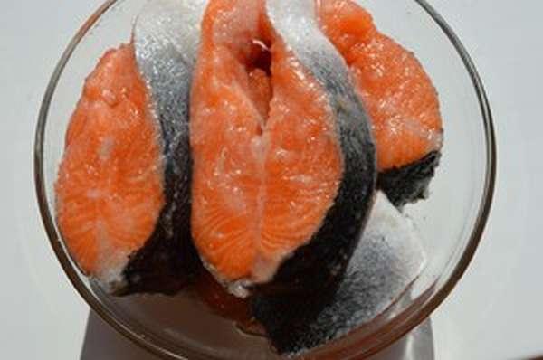 Как вкусно солить красную рыбу