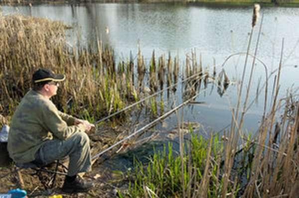 Особенности апрельской рыбалки на уклейку