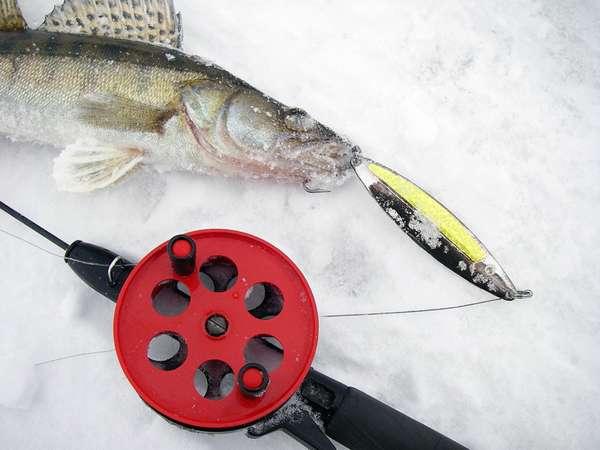 Как выбрать блесны для зимней рыбалки