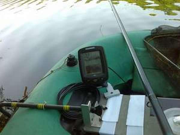 Установка эхолота в лодке