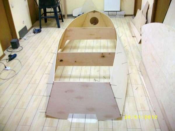 Сборка лодки из фенеры