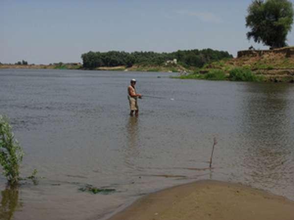 Рыбалка на Ахтубе ранней весной