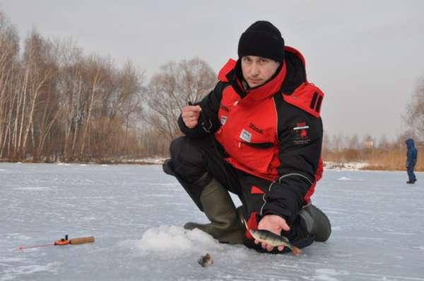 Необходимые аксессуары для зимней рыбалки