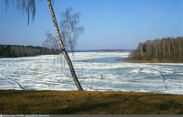 Как рыбачить зимой в водоемах Пестовского водохранилища